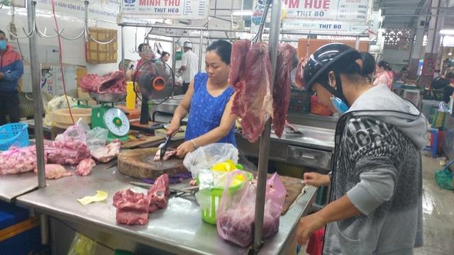 Dân Đà Nẵng không chuộng thịt heo nhập, giá tại chợ vẫn neo ở mức rất cao - 4