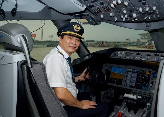 Gặp người phi công cơ trưởng tài ba sau chuyến bay rời bầu trời - 1