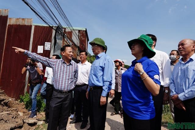 Bí thư Nguyễn Thiện Nhân thị sát thực trạng xây dựng ở Bình Chánh - 1