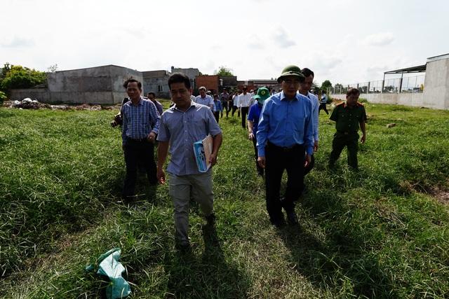 Bí thư Nguyễn Thiện Nhân thị sát thực trạng xây dựng ở Bình Chánh - 5