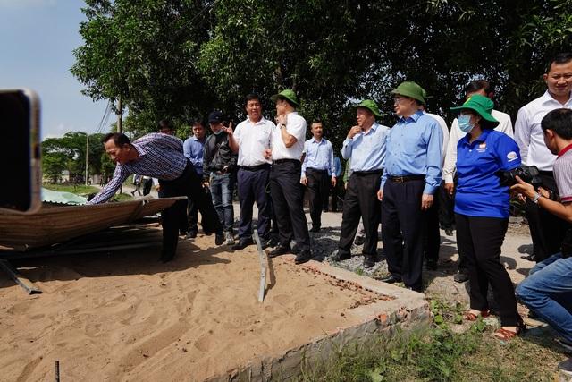 Bí thư Nguyễn Thiện Nhân thị sát thực trạng xây dựng ở Bình Chánh - 6