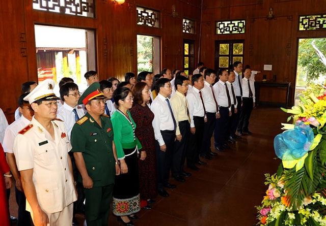 Chủ tịch Hồ Chí Minh luôn còn mãi với non sông đất nước! - 1