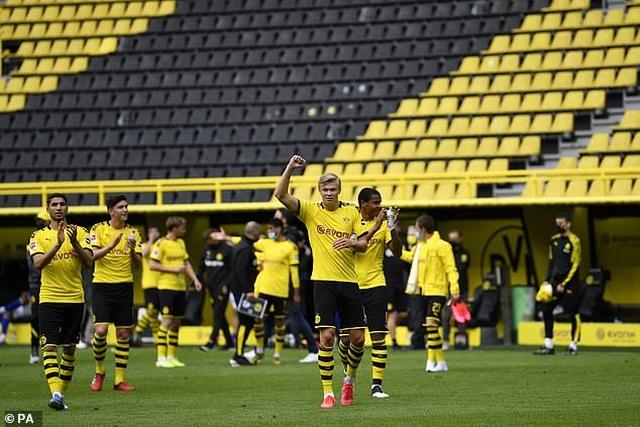 Những khoảnh khắc tỏa sáng của Haaland giúp Dortmund thắng đậm Schalke - 8