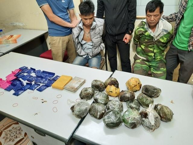 Bắt giữ nhóm đối tượng vận chuyển hơn 11 kg ma túy - 1