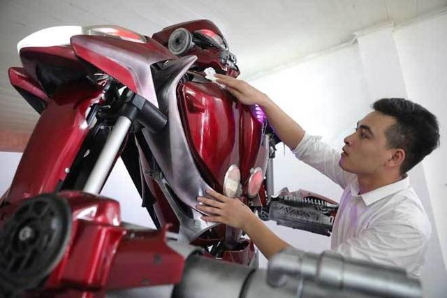 Robot made in Việt Nam ra đời... từ rác - 3