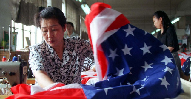 """Người dân Mỹ dần lạnh nhạt với hàng """"Made in China"""" - 1"""