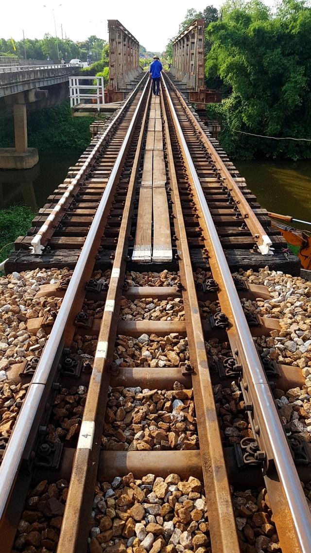 Sửa chữa, nâng cấp 15 cầu đường sắt yếu tại Quảng Trị, Quảng Bình - 4