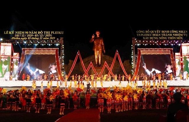 Hành trình đón tượng Bác Hồ về với đồng bào Gia Lai - 7