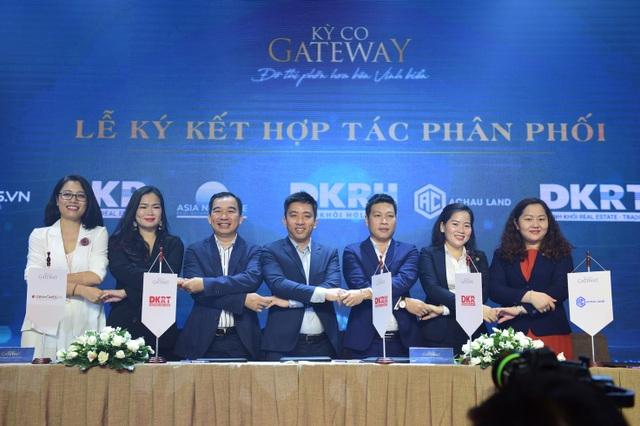 Tập đoàn Danh Khôi ký kết hợp tác với ngân hàng, đại lý chiến lược triển khai Kỳ Co Gateway - 2