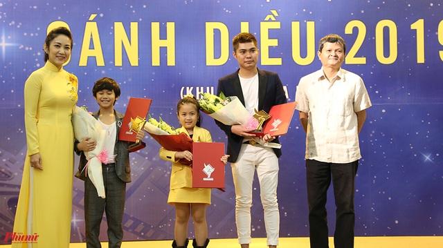 Hy hữu: Ban tổ chức Cánh diều 2019 trao nhầm giải Diễn viên triển vọng - 1