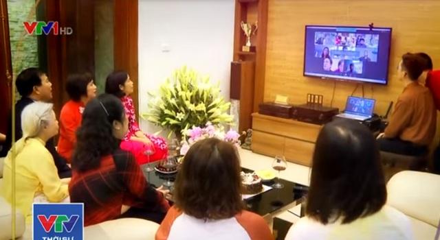 Cặp đôi Việt cưới ở Mỹ, hai họ chứng kiến qua tivi - 1