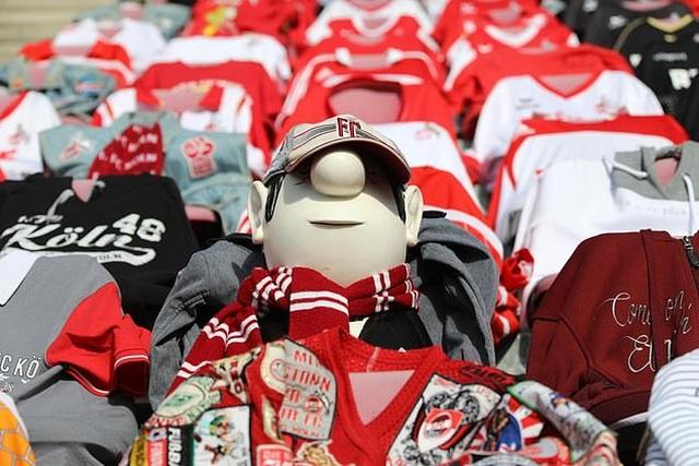 CLB ở Bundesliga sáng tạo cách cổ vũ khi khán giả bị cấm vào sân - 3
