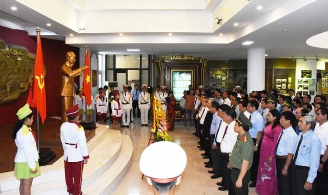Thừa Thiên Huế tổ chức nhiều hoạt động mừng 130 năm ngày sinh Bác Hồ - 1