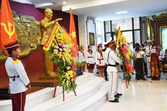 Thừa Thiên Huế tổ chức nhiều hoạt động mừng 130 năm ngày sinh Bác Hồ - 3