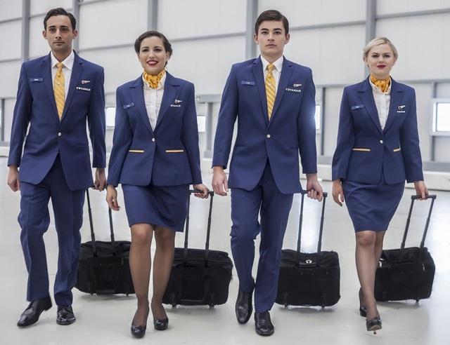Hành khách phải xin phép mới được dùng nhà vệ sinh trên máy bay - 3