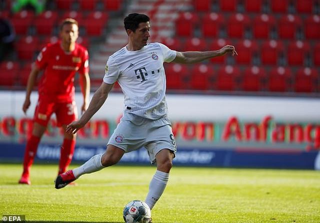 Bayern Munich vững ngôi đầu bảng ở Bundesliga - 2
