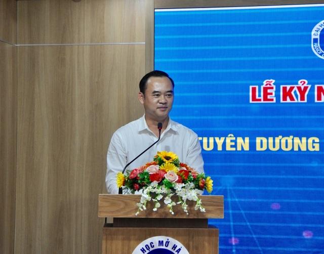 Trường ĐH Mở Hà Nội khen thưởng 105 SV có thành tích nghiên cứu khoa học - 1