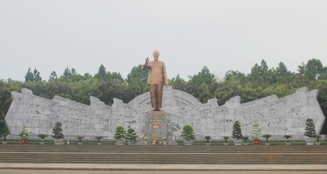 Hành trình đón tượng Bác Hồ về với đồng bào Gia Lai - 3