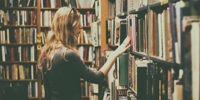 Sách phải đem cất 3 ngày, sau mỗi lần có khách hàng động tới - 2
