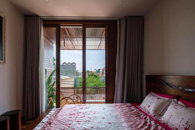 """Cận cảnh nhà vườn """"trốn"""" khói bụi đẹp mê hồn của cặp vợ chồng trẻ ở Sài Gòn - 11"""