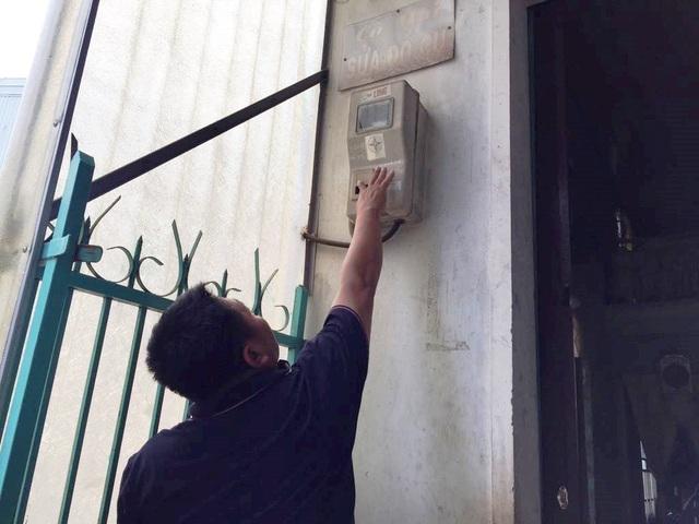 """Nhiều hộ dân phản ánh tiền điện tăng """"bất thường"""" - 1"""