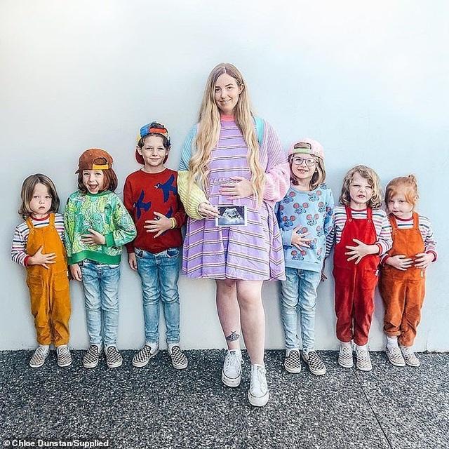 Bà mẹ 8 con chia sẻ bí quyết nuôi con trong yên bình - 1