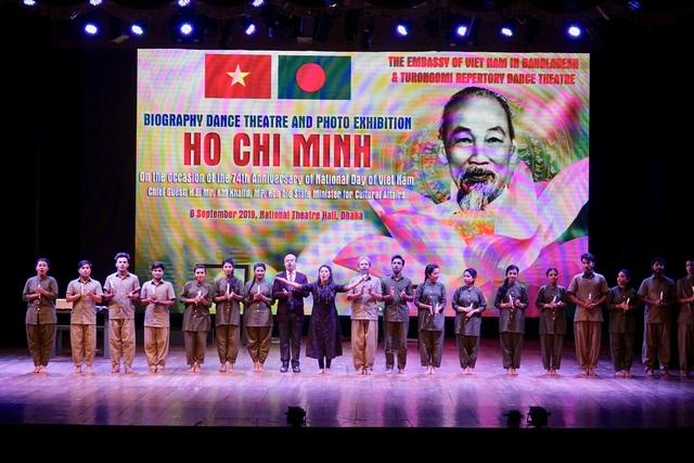 Hồ Chí Minh là hình mẫu một chính trị gia đầy cống hiến - 1