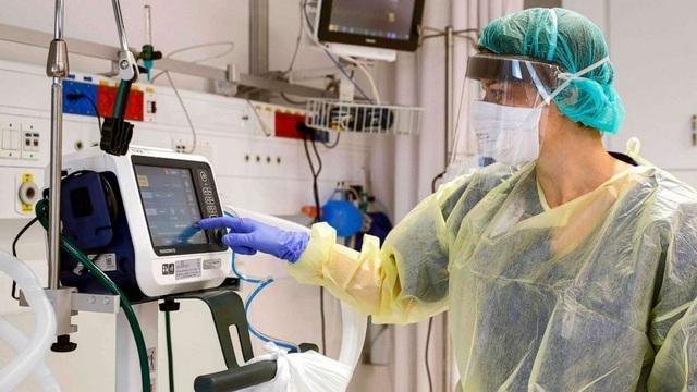 Mỹ tặng 200 máy thở giúp Nga chống dịch - 1