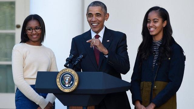 Cựu Tổng thống Barack Obama nhắn gửi thế hệ trẻ tốt nghiệp thời Covid-19 - 1