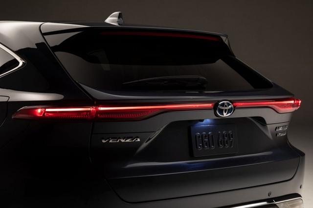 Toyota Venza trở lại - Ánh hào quang liệu có còn? - 12