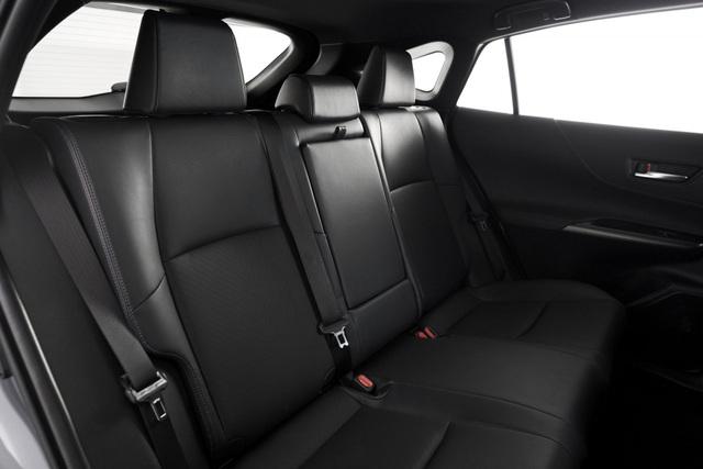 Toyota Venza trở lại - Ánh hào quang liệu có còn? - 21