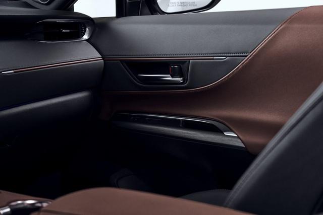 Toyota Venza trở lại - Ánh hào quang liệu có còn? - 20