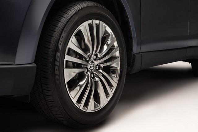 Toyota Venza trở lại - Ánh hào quang liệu có còn? - 8