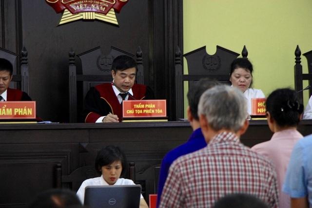 Sáng nay xét xử vụ gian lận điểm thi ở Sơn La - 5
