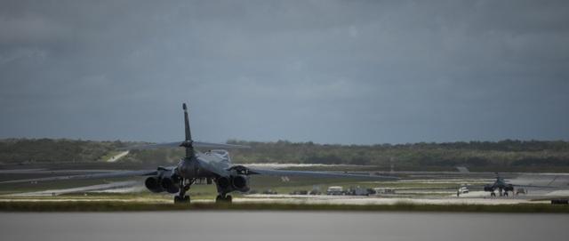 """Mỹ điều """"pháo đài bay"""" B-1 tới Biển Đông - 1"""