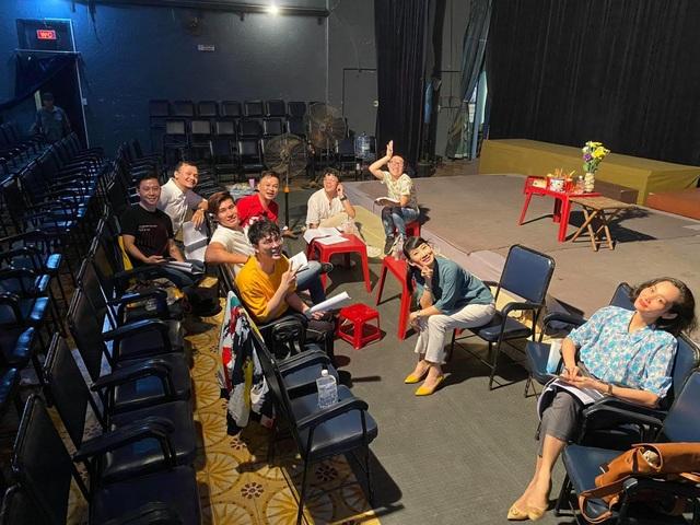 Nghệ sĩ Sài Gòn phấn khởi trên sàn tập, chờ ngày sân khấu sáng đèn - 2