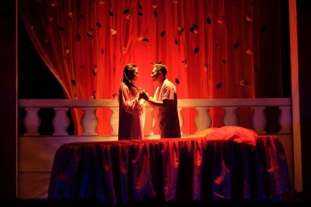 Nghệ sĩ Sài Gòn phấn khởi trên sàn tập, chờ ngày sân khấu sáng đèn - 3
