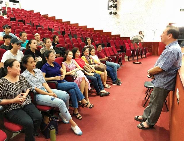 Nghệ sĩ Sài Gòn phấn khởi trên sàn tập, chờ ngày sân khấu sáng đèn - 4