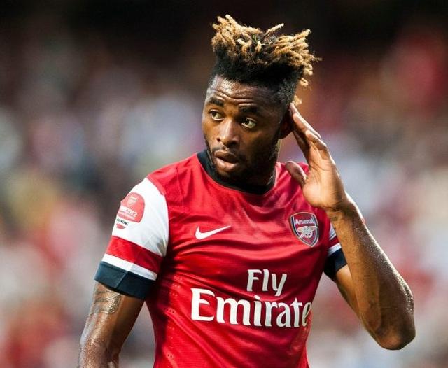 """Alex Song: """"Mức lương ở Arsenal không đủ cho tôi đổ xăng"""" - 1"""