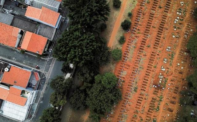 Tăng kỷ lục số ca bệnh và người chết, Brazil sắp vỡ trận vì Covid-19 - 2