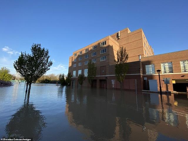 Vỡ 2 đập, bang của Mỹ gặp thảm họa 500 năm có một - 3