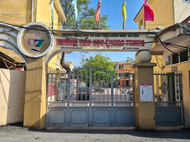 Học sinh đứng ngoài cổng trường: Xem xét trách nhiệm giáo viên, hiệu trưởng - 1