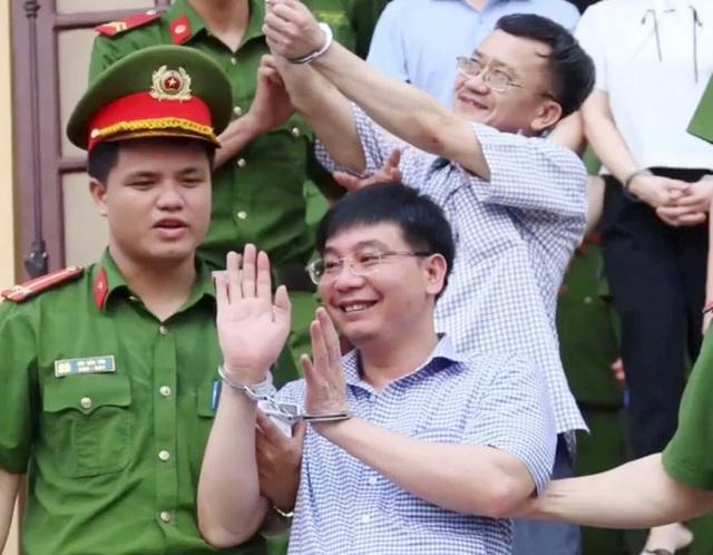 Vụ gian lận điểm thi Hòa Bình: Người chủ mưu lĩnh 8 năm tù - 2