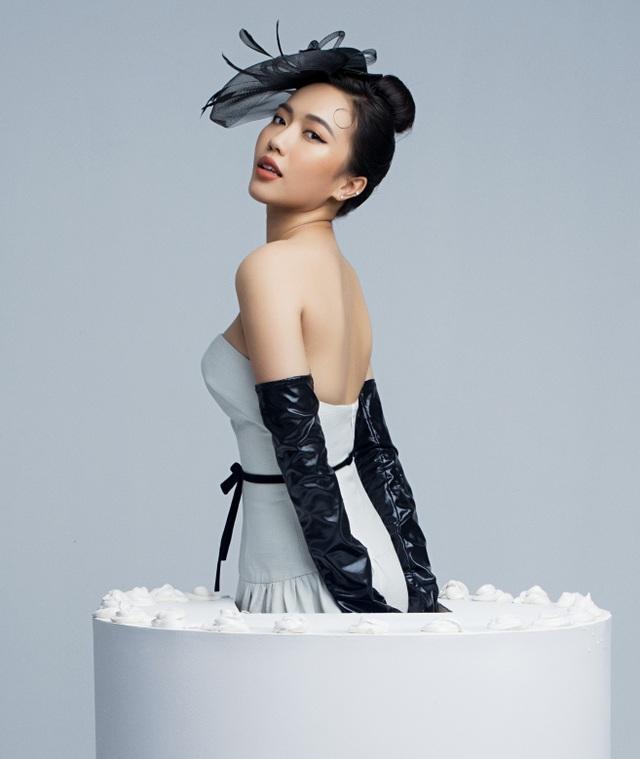 Diễn viên hài Diệu Nhi tung ảnh táo bạo khoe vai trần mừng sinh nhật - 1