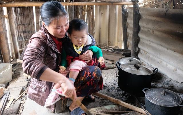 Người mẹ nghèo được bạn đọc Dân trí giúp đỡ phẫu thuật tim cho con - 1