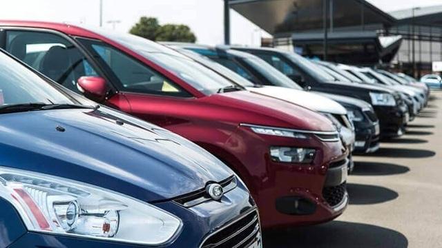 Được giảm phí trước bạ, ô tô nội cắt khuyến mãi, tăng giá - 1