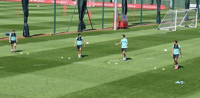 5 điều thú vị trong buổi tập luyện trở lại của Liverpool - 4