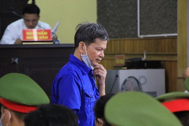 """Vụ gian lận thi: Cựu thượng tá """"bí ẩn"""" xuất hiện tại tòa với tư cách bị cáo - 2"""