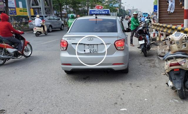 """Hà Nội xử lý hàng loạt taxi che biển số, làm khó """"mắt thần"""" trên phố - 8"""