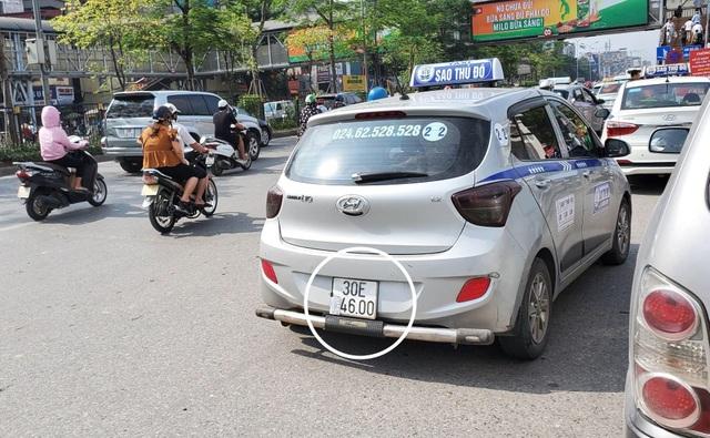 """Hà Nội xử lý hàng loạt taxi che biển số, làm khó """"mắt thần"""" trên phố - 4"""